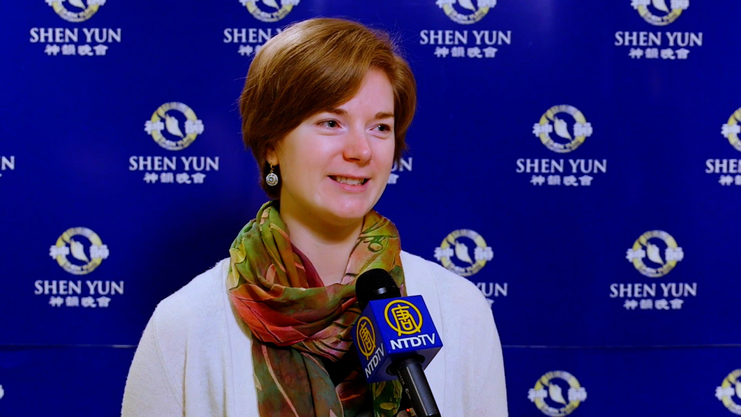 Shen Yun Inspires Vancouver Audiences With Scenes of the Creator