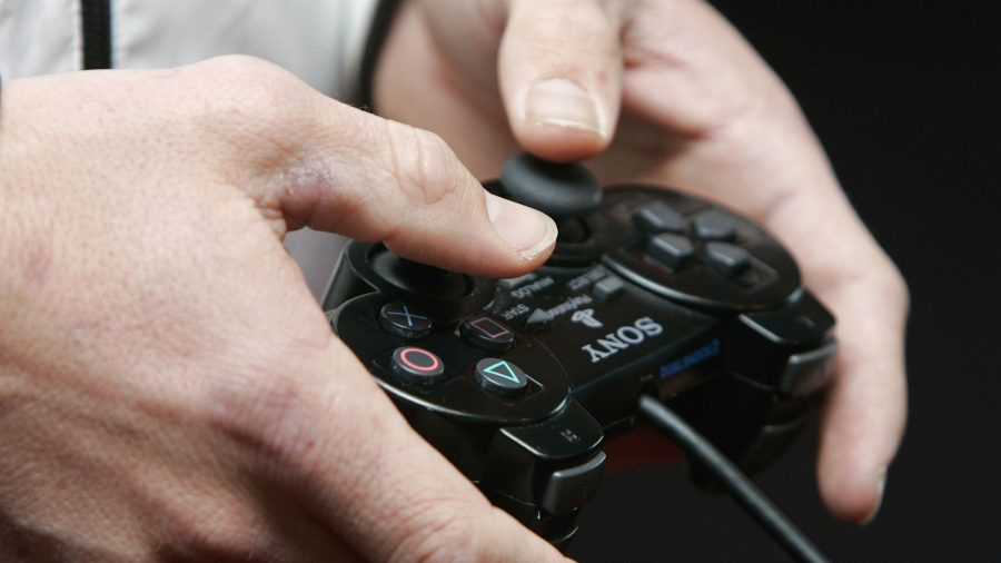Mother Feeds Gaming Addict Son by Hand as He Refuses to Budge in 48-hour Session