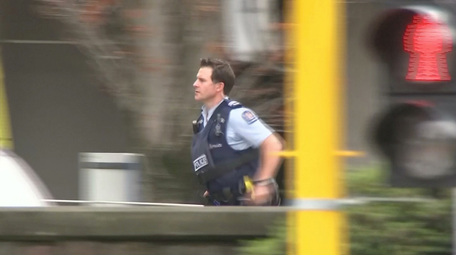 Christchurch Shooting Manifesto Claims Nz Mosque Attacks: Armed Bystander Chased And Fired At Christchurch Mosque