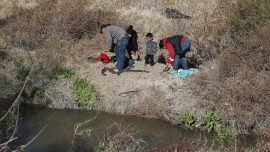 Baby's Body Recovered, Three Missing, After Raft Carrying Migrants Capsizes in Rio Grande