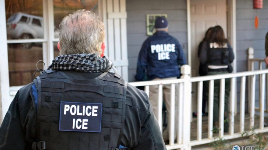 Chicago Mayor Says That the Police Won't Cooperate With ICE Operations