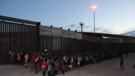Pictured: Group of 1,000 Illegal Immigrants, the Largest Ever Seen at the Border