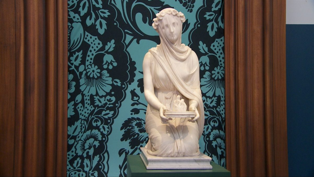 """The Veiled Vestal"" by Victorian Italian sculptor Raffaele Monti on display at Sotheby's New York Gallery. (Shiwen Rong/NTD)"