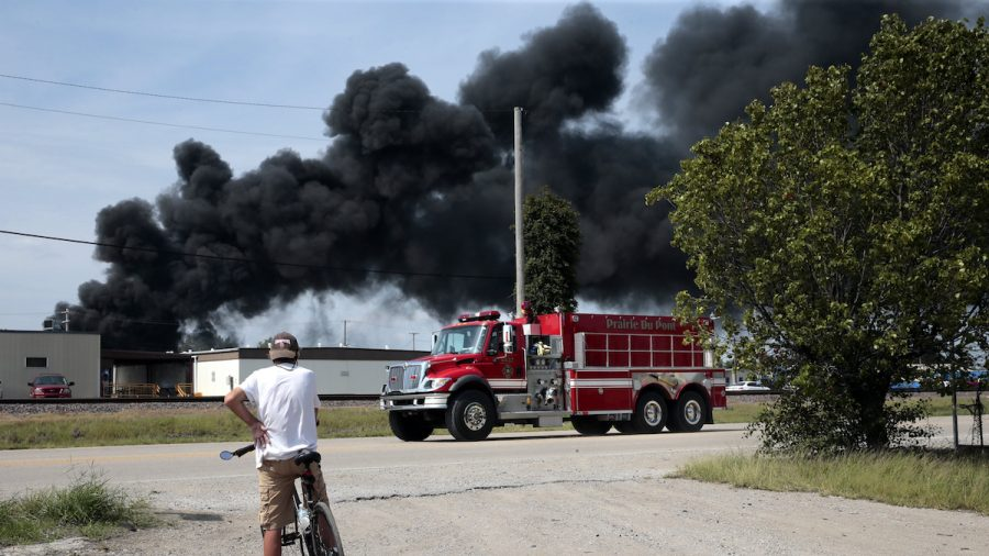 Illinois Derailment Causes Fire, Evacuations but No One Hurt