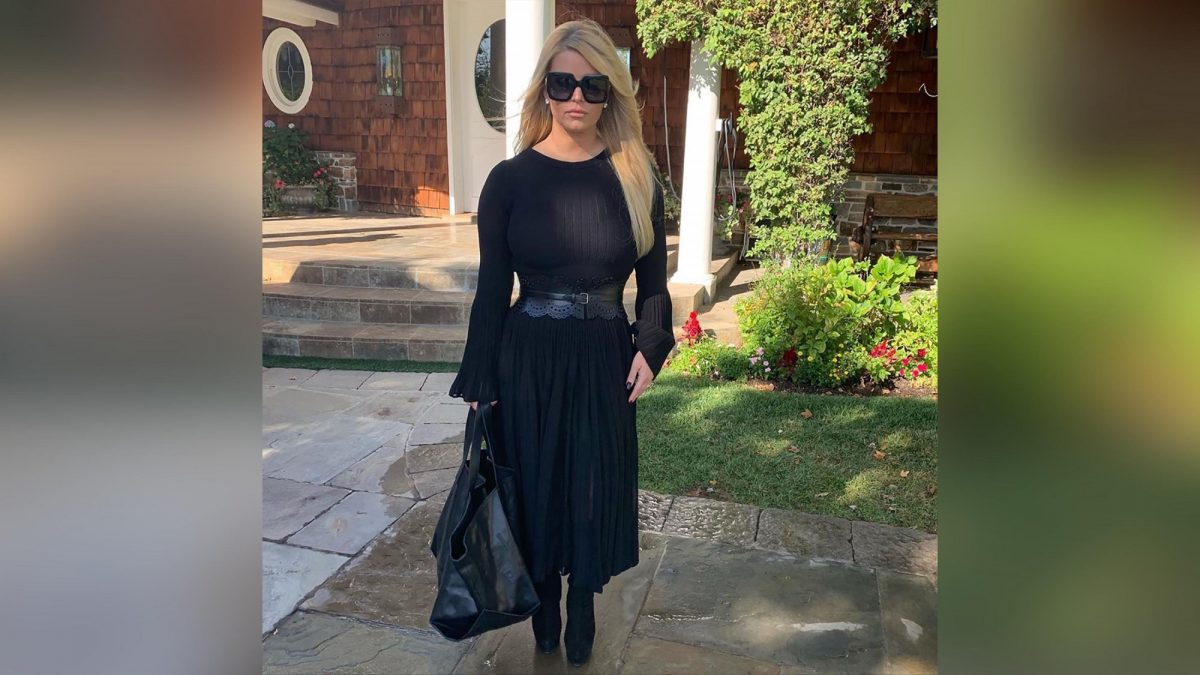Jessica Simpsons Personal Trainer Reveals How She Dropped