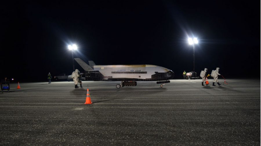 Secretive Military Spaceplane Lands in Florida After Record-Long Orbital Flight