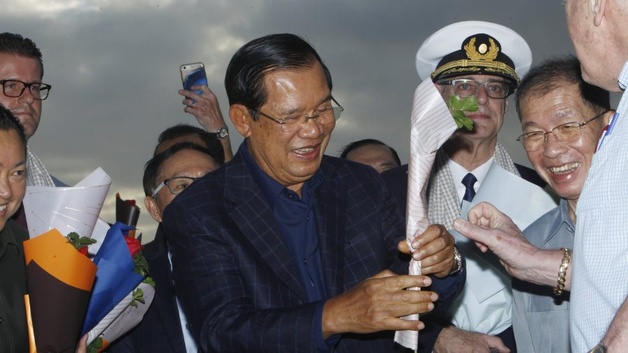 Cruise Stranded by Virus Fears Ends With Roses in Cambodia