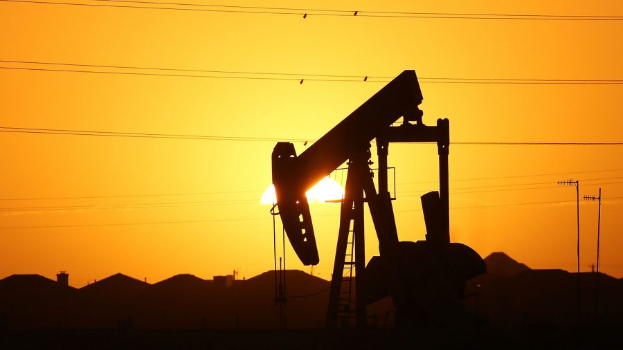 Oil Higher on Hopes for US Stimulus, Demand Recovery
