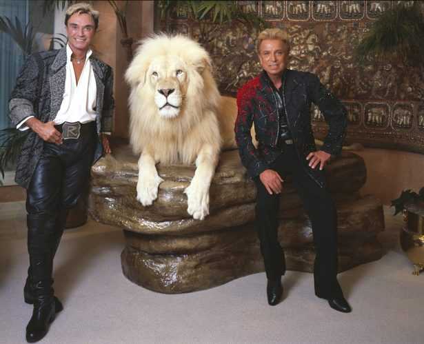 Siegfried__Roy_by_Carol_M._Highsmith