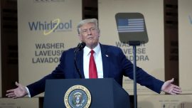 Trump Signs Executive Order to Reduce US Reliance on China for Medicine