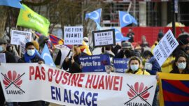 Huawei to Install Facility in France Despite Opposition