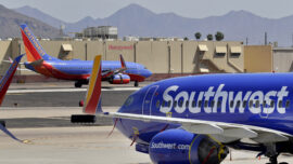 Hundreds of American and Southwest Airlines Employees Protest Against Vaccine Mandates