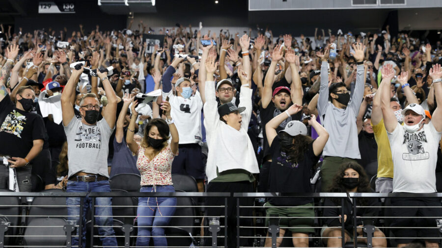 NFL's Raiders Will Require Fans to Show Vaccination Proof or Get Jab at Entrance