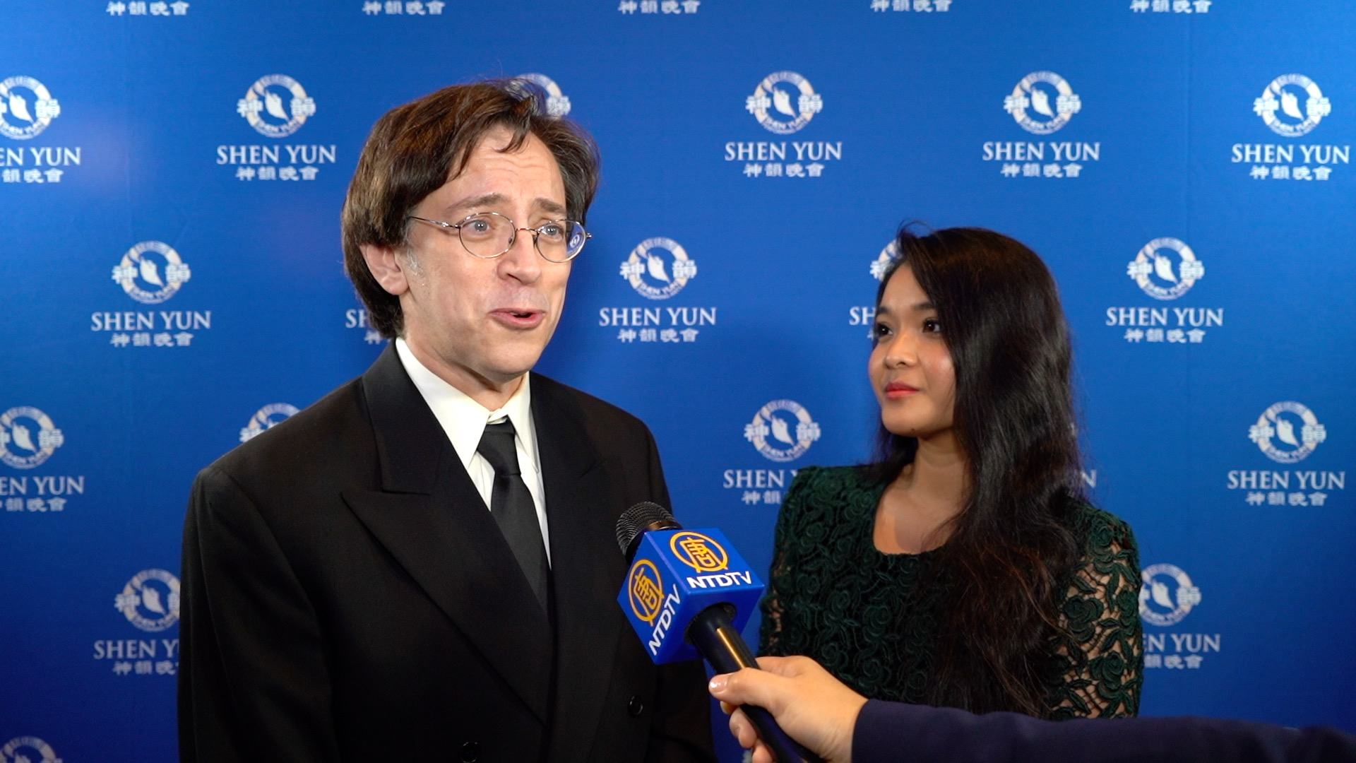 NYT Best-Selling Author: Shen Yun is 'Hopeful and Powerful'