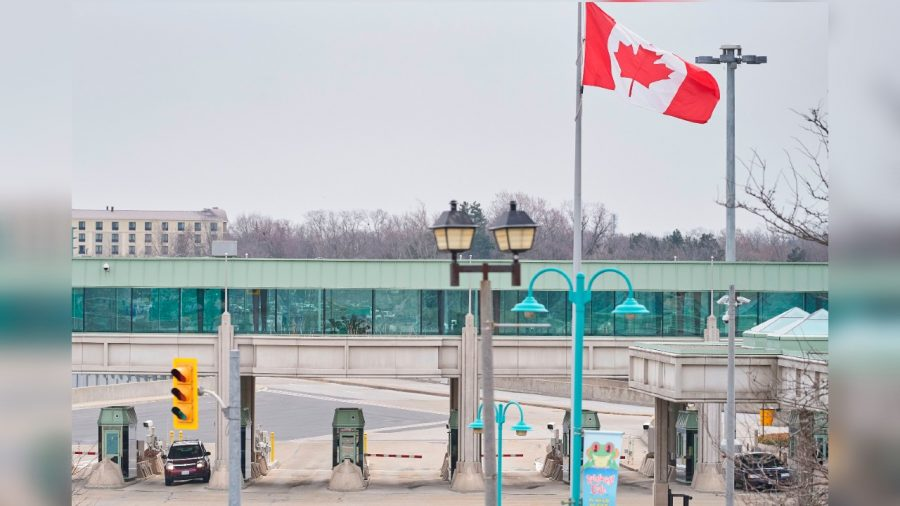 US, Mexico, Canada Extend CCP Virus Travel Restrictions for Another Month