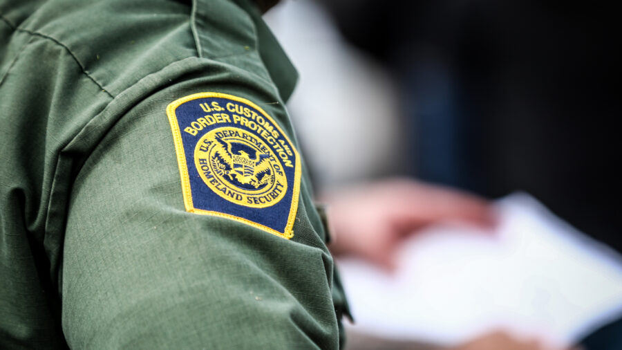 Over 15,000 Illegal Immigrants Apprehended Along Southern Border In One Week Amid Spike In Large Group Crossings